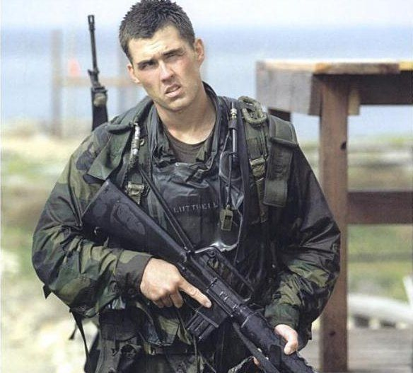 Biography | Marcus Luttrell